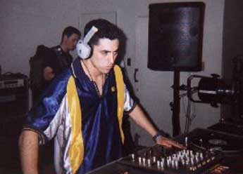 http://trancefrance.tripod.com/ravepix8/thump12.jpg